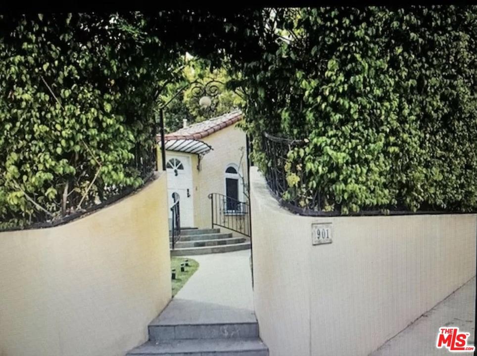901 N Spaulding Avenue #  West Hollywood CA 90046