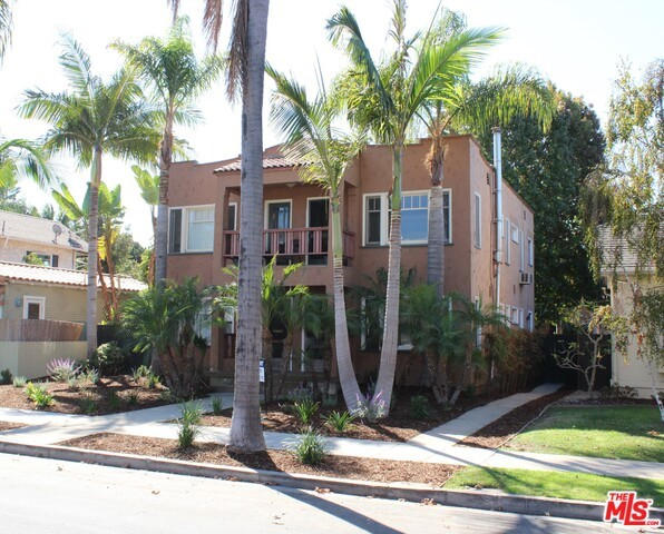 3032 E VISTA Street Long Beach, CA 90803 is listed for sale as MLS Listing 16173658