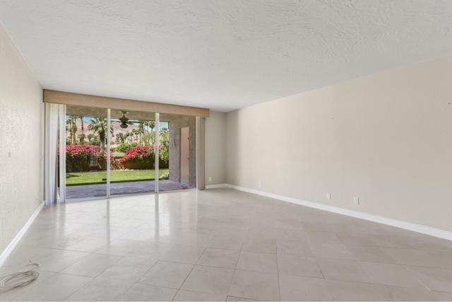 46305 Portola Avenue, Palm Desert CA: http://media.crmls.org/mediaz/D434CF73-46A9-4402-B1D6-EA99B90CB092.jpg