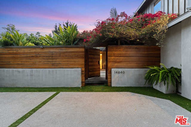 14840 W SUNSET, Pacific Palisades, CA 90272