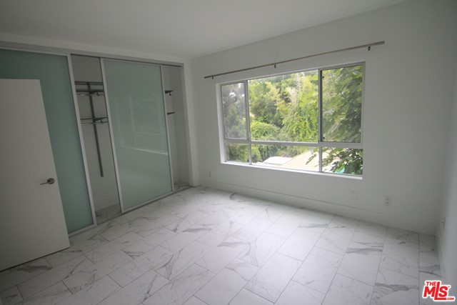 939 PALM Avenue, West Hollywood CA: http://media.crmls.org/mediaz/D498A01D-E3BE-471F-B2A4-280E02741F6C.jpg