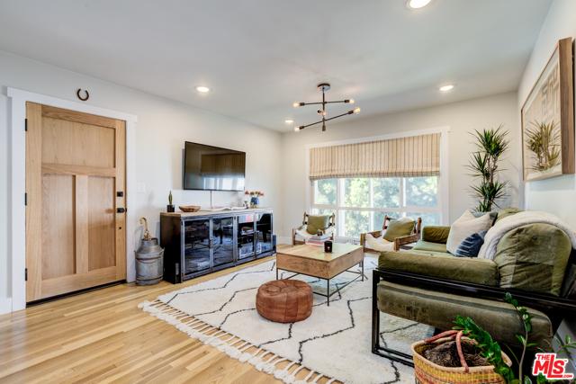 Photo of 6400 Primrose Avenue #19, Los Angeles, CA 90068