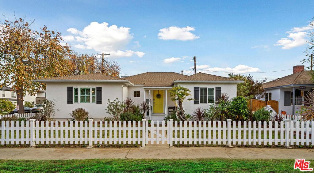12000 Marine Street #  Los Angeles CA 90066