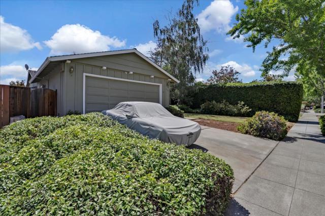 1758 Heron Avenue, Sunnyvale CA: http://media.crmls.org/mediaz/D4F33511-2BC1-4E9B-A55B-A4B6E716442A.jpg