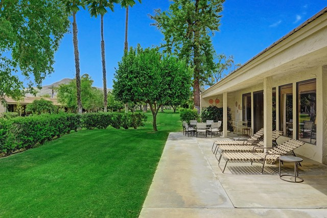 44842 Guadalupe Drive, Indian Wells CA: http://media.crmls.org/mediaz/D4F9DF13-CCA9-42CB-A39E-7F7F05B9061B.jpg