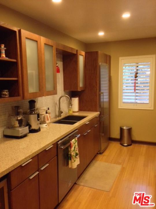 1105 IDAHO Avenue, Santa Monica CA: http://media.crmls.org/mediaz/D5182BFE-12AF-4639-BB1B-FECFDD0EBB54.jpg