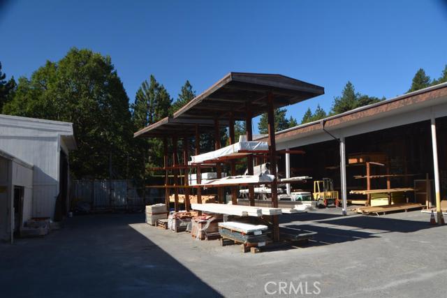 26567 Pine Avenue, Rimforest CA: http://media.crmls.org/mediaz/D519A50E-4155-457D-975E-10167499884F.jpg