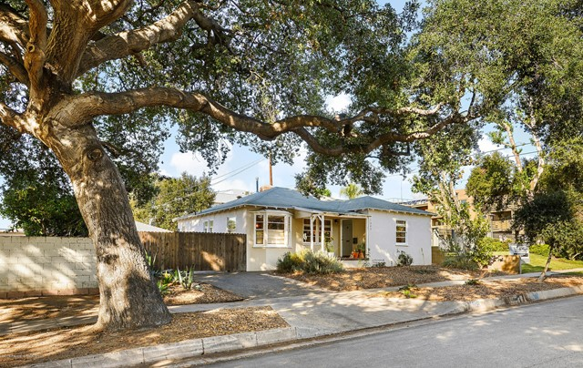 1245 Hudson Avenue, Pasadena, California 91104, 2 Bedrooms Bedrooms, ,1 BathroomBathrooms,Residential,For Sale,Hudson,819005391