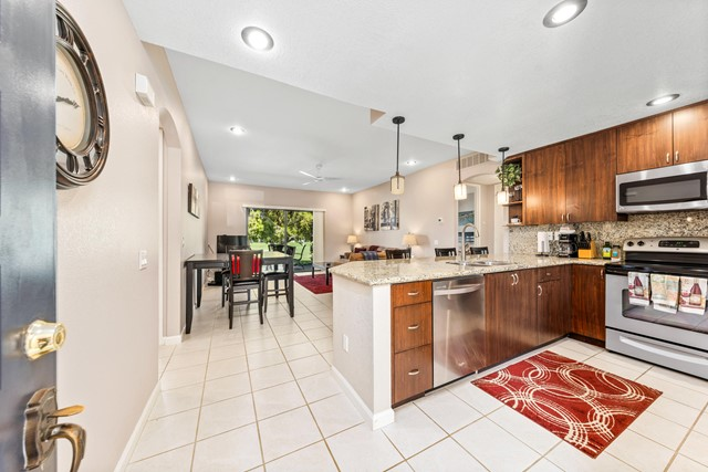 28944 Desert Princess Drive, Cathedral City CA: http://media.crmls.org/mediaz/D5D5A803-B705-44F9-8E31-E99CB0EE28D6.jpg