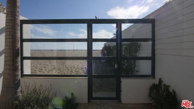 270 PALISADES BEACH Road, Santa Monica CA: http://media.crmls.org/mediaz/D5E59A31-594A-4BFA-909C-C2FF00972E40.jpg