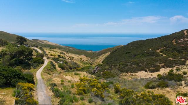 11100 Pacific View Road, Malibu CA: http://media.crmls.org/mediaz/D5E66A41-B2B5-4769-968B-5ABB8D9CB006.jpg