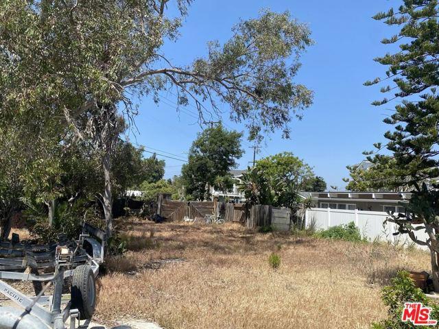 216 16th Street, Seal Beach CA: http://media.crmls.org/mediaz/D626D5CC-43A8-4B88-B6A9-50006F38FA23.jpg
