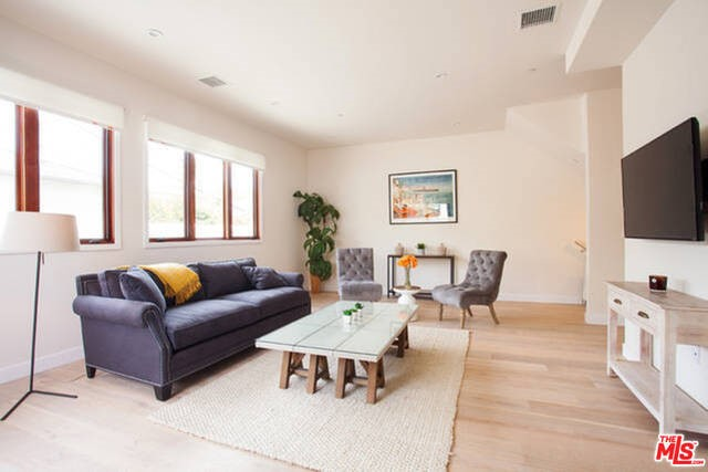Townhouse for Rent at 1319 YALE Street Santa Monica, California 90404 United States