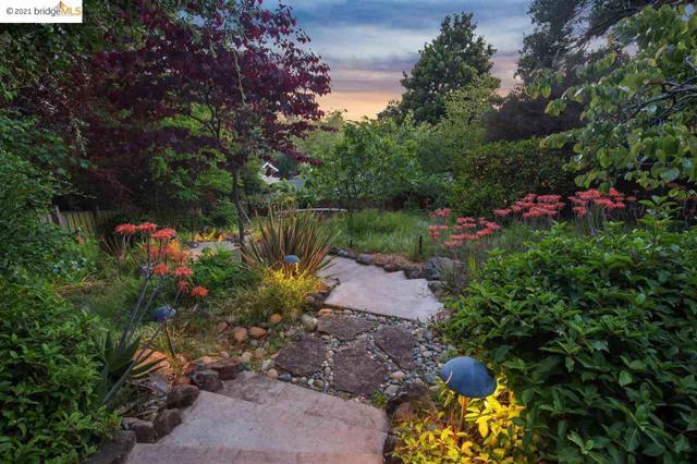 44 El Camino Real, Berkeley CA: http://media.crmls.org/mediaz/D66FB945-FEE7-4AEA-B4EF-E13DB012C8A9.jpg