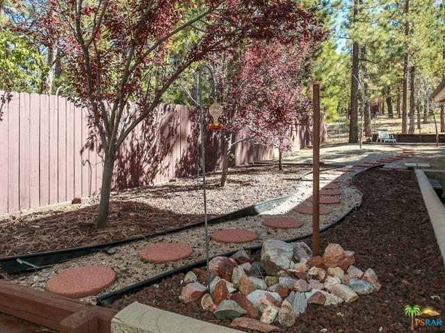 42321 HEAVENLY VALLEY Road, Big Bear CA: http://media.crmls.org/mediaz/D6FBC891-8023-45DA-8F48-71A3F222D951.jpg