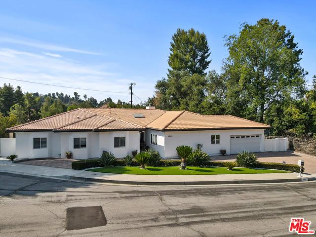 4311 Coquette Place, Tarzana CA: http://media.crmls.org/mediaz/D7B6504F-23A8-4D3D-BAFC-EA161A053252.jpg