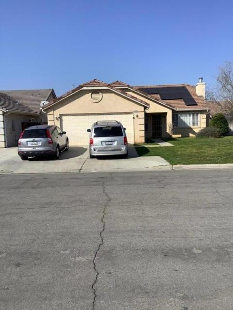 5531 Kaviland, Fresno CA: http://media.crmls.org/mediaz/D7B98963-8223-4D57-A9E1-8D357A2EB341.jpg