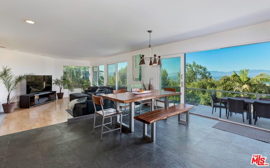 15263 Mulholland Drive #  Los Angeles CA 90077