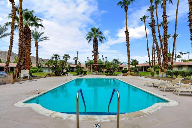 45805 Pueblo Road, Indian Wells CA: http://media.crmls.org/mediaz/D7D584BD-60D8-4395-A383-B9DF51B6BDA9.jpg