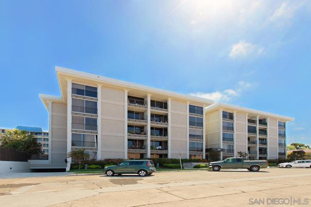 7811 Eads Avenue, La Jolla CA: http://media.crmls.org/mediaz/D7DC6E08-FF80-469A-9CD5-0373AF720ABF.jpg