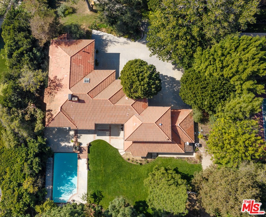 1218 Benedict Canyon Drive #  Beverly Hills CA 90210