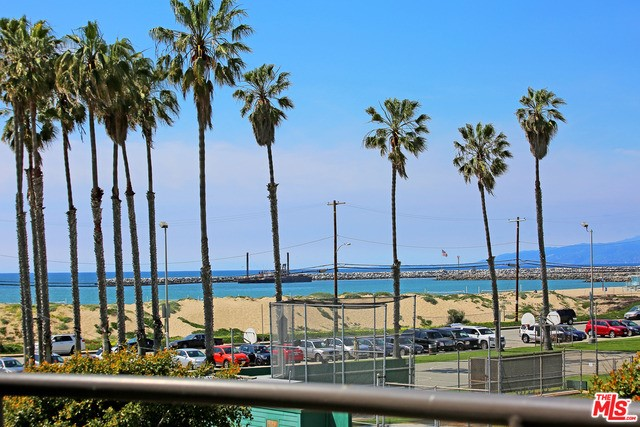 136 CONVOY Street 2 Playa del Rey, CA 90293 is listed for sale as MLS Listing 17213894