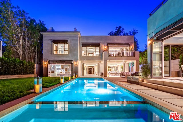 Single Family Home for Sale at 838 Orlando Avenue N Los Angeles, California 90069 United States