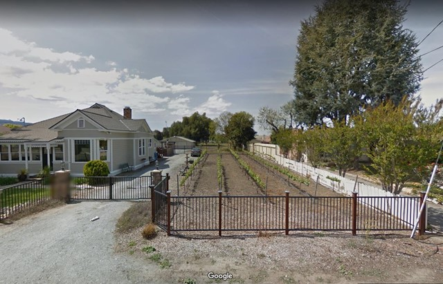 1630 Cienega Road, Hollister CA: http://media.crmls.org/mediaz/D8FD6383-10B4-4D54-9110-3E7B1D690AE3.jpg