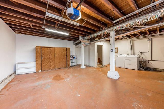 44 Navajo Avenue, San Francisco CA: http://media.crmls.org/mediaz/D943FDA0-2AF3-4DFD-902C-33BC26A92CEA.jpg