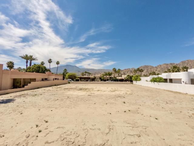 55540 Pebble Beach, La Quinta CA: http://media.crmls.org/mediaz/D95195A6-9C0F-43A1-9FDF-96F91D3DF413.jpg