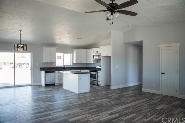 12610 redwing Road Apple Valley CA 92308
