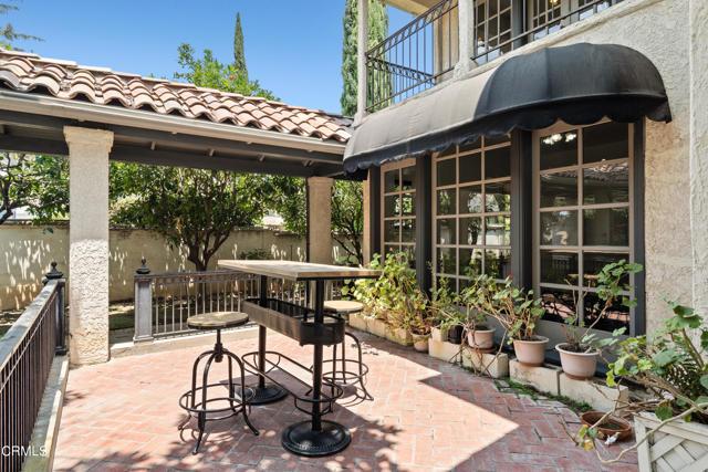695 Lakewood Place, Pasadena CA: http://media.crmls.org/mediaz/D9A6899A-D130-4278-9CB4-30B0FBF99B6B.jpg