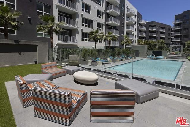 1331 N Cahuenga Boulevard, Los Angeles CA: http://media.crmls.org/mediaz/D9A9B090-799E-4E3A-8D24-2A513A660CDF.jpg