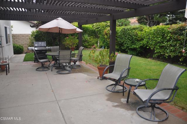 2024 Rosebay Street, Westlake Village CA: http://media.crmls.org/mediaz/D9F5FCF2-A87B-4720-BC4E-BB7DC7628300.jpg