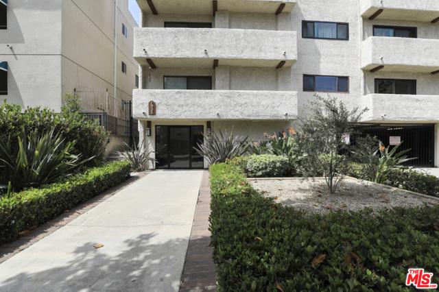 1925 Overland Avenue, Los Angeles CA: http://media.crmls.org/mediaz/DA082F0F-EED4-4D3F-A5FD-06AECCEAE54D.jpg