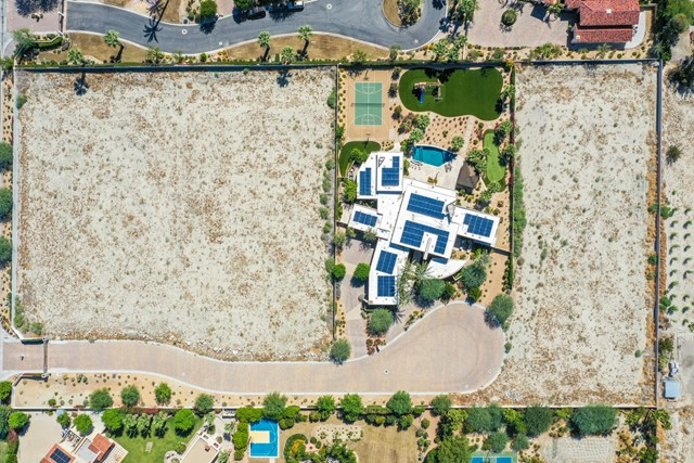 7 Mountain Vista Court, Rancho Mirage CA: http://media.crmls.org/mediaz/DA3F3AFB-810B-4164-B1FF-0D37310ED455.jpg