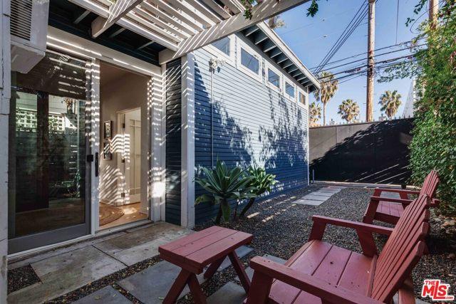 1121 Cabrillo Ave, Venice, CA 90291 photo 28
