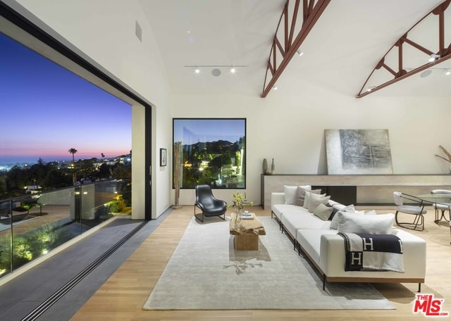 Photo of 1329 GOUCHER Street, Pacific Palisades, CA 90272