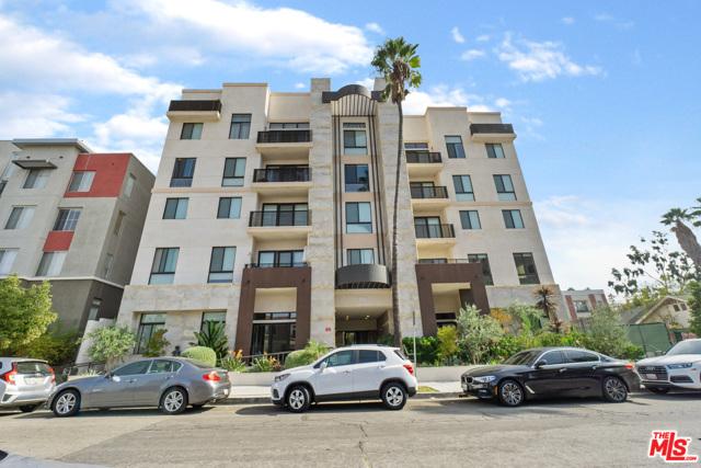 118 S Kenwood Street, Glendale CA: http://media.crmls.org/mediaz/DB46CCD7-ADEA-48AC-87A7-9161913C8AFC.jpg