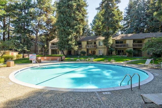 505 Cypress Point Drive, Mountain View CA: http://media.crmls.org/mediaz/DB6F110B-5519-4B71-B04A-A97FB21A2590.jpg