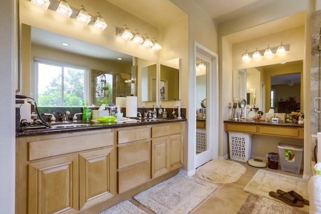 1415 Buena Vista Way, Carlsbad CA: http://media.crmls.org/mediaz/DB980778-DC76-493D-86DD-986B622AADA4.jpg