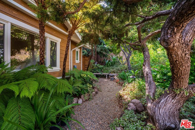 1243 Las Lomas Ave, Pacific Palisades, CA 90272 photo 36