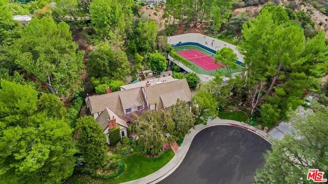 Single Family Home for Sale at 3370 Judilee Drive Encino, California 91436 United States