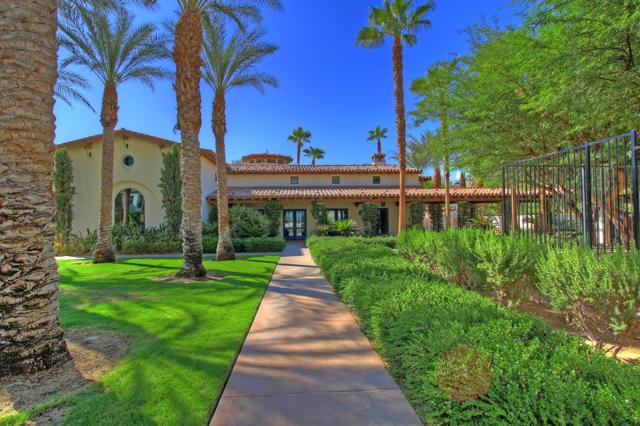 48568 Legacy, La Quinta CA: http://media.crmls.org/mediaz/DD0589BB-3AE9-43B4-89FA-A46B794490E5.jpg