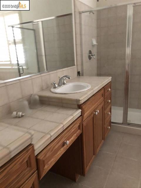 5074 Carbondale Way, Antioch CA: http://media.crmls.org/mediaz/DD199BA0-2850-402A-8BAA-084A456359C9.jpg