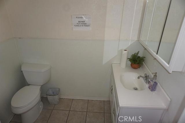 300 Hutchison Street, Barstow CA: http://media.crmls.org/mediaz/DD3A285E-458F-437F-A5A6-D7602366B74F.jpg
