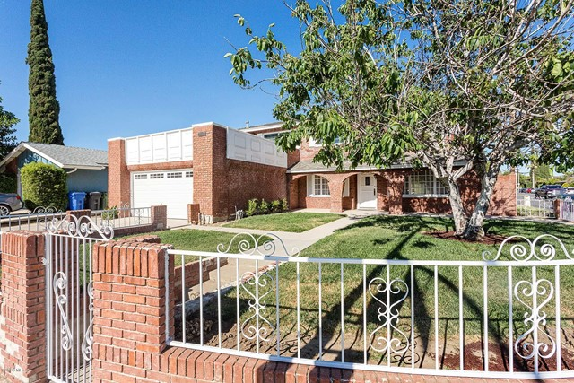 Photo of 2402 N Justin Avenue, Simi Valley, CA 93065