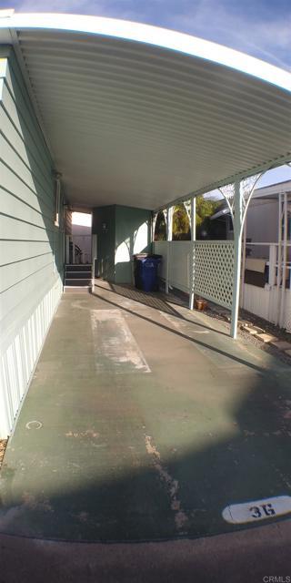 677 G Street, Chula Vista CA: http://media.crmls.org/mediaz/DDB90A62-F3D4-4FED-BAE2-4E13203C846D.jpg