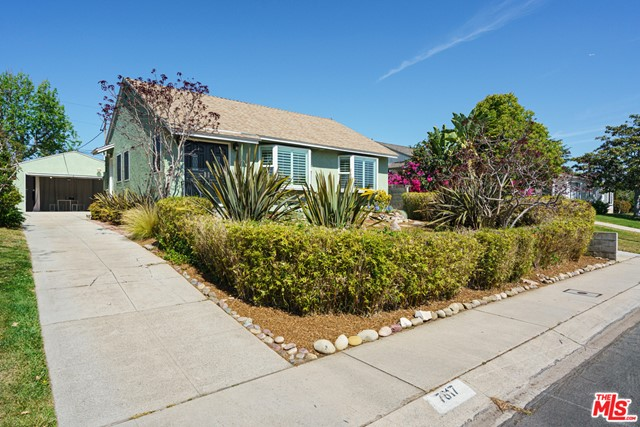 7817 Truxton Ave, Los Angeles, CA 90045