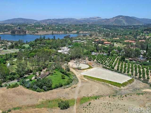 6710 El Montevideo, Rancho Santa Fe CA: http://media.crmls.org/mediaz/DE48DAD5-6D4B-45C1-87E9-9B91228237CF.jpg